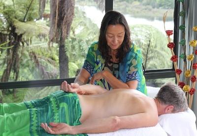 Rotorua massage pic homepage